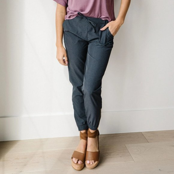 Albion Heather Charcoal Jetsetters - Size L - BNWT